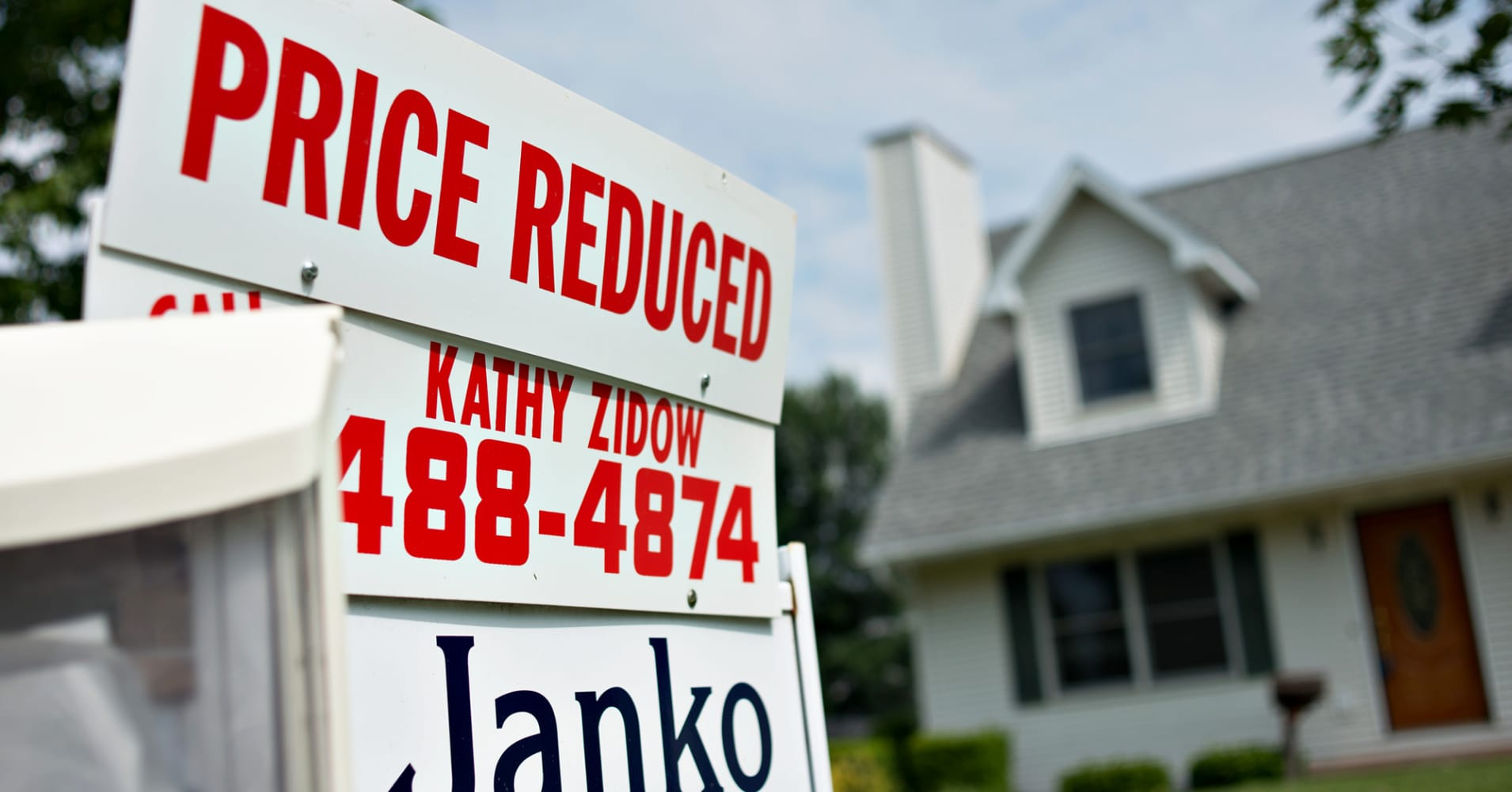Housing Tipping Back To A Buyer S Market As Sellers Cut Prices