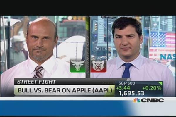 Debate It: Bull vs. bear on Apple