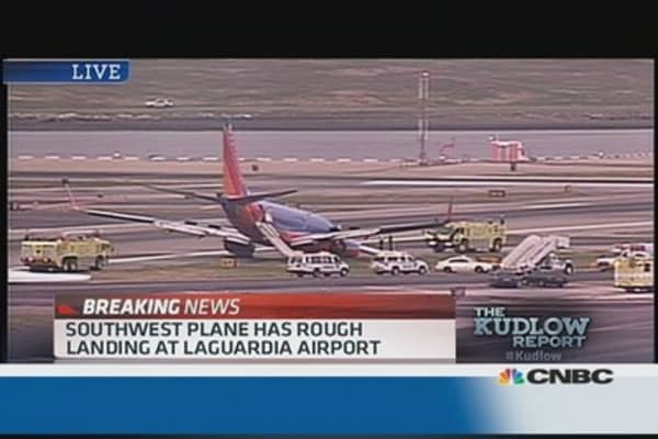 Southwest Plane has rough landing at LGA