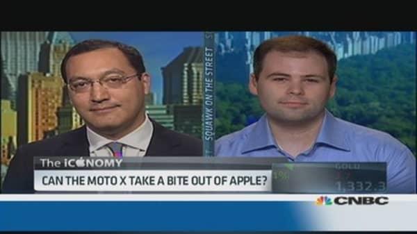 New Moto X vs. iPhone