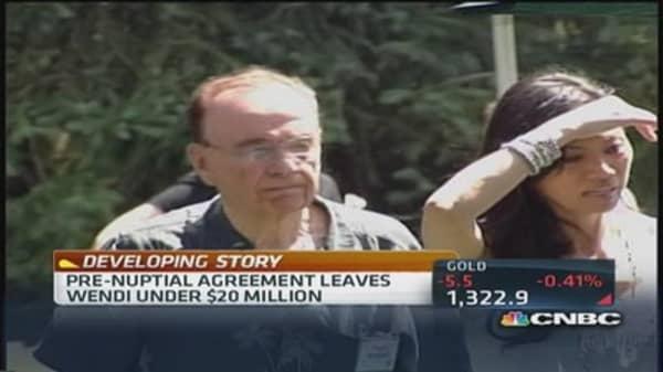 Murdoch's estranged wife hires new lawyer