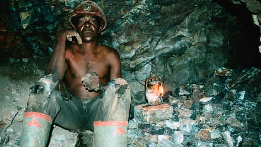 A miner in Mutorashanga, Zimbabwe