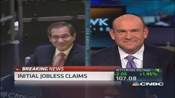Initial jobless claims down 19,000 to 326,000