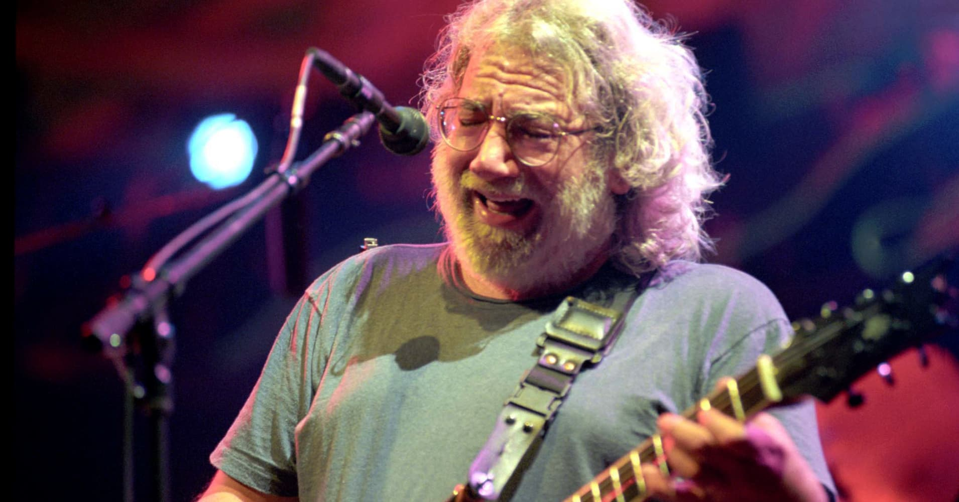 on jerry garcia 39 s birthday dead 39 s weir reflects. Black Bedroom Furniture Sets. Home Design Ideas