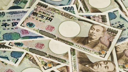 Japan S Debt Looks Like This 1 000 000 000 000 000 Yen