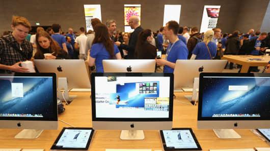 168049154SG00024_Apple_Open