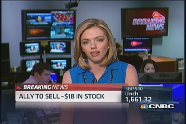 Ally to sell $1 billion in stock