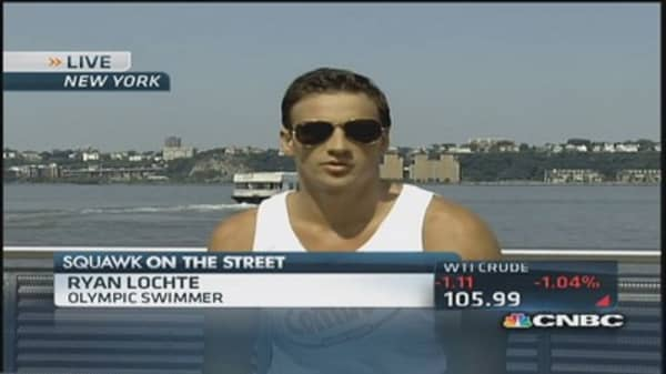 Ryan Lochte's epic delivery to fans