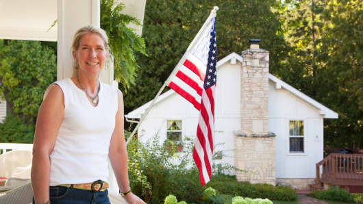Melanie Camp gave up a career in the defense industry to open her own bed and breakfast in Wisconsin.