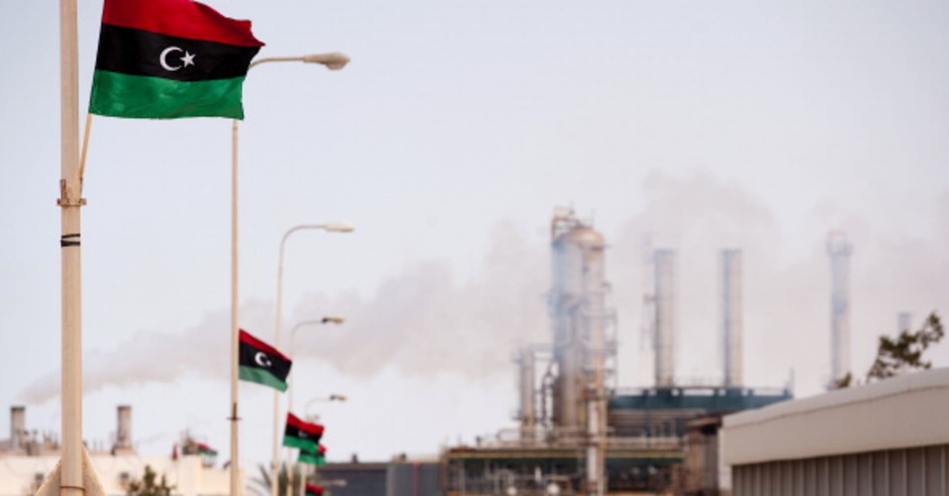 Libya's biggest oil field is being held hostage, but even that won't boost prices