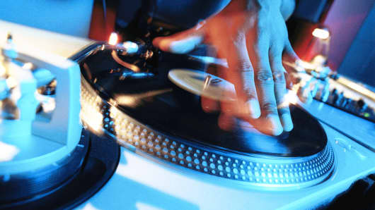 Strip-club DJs are real shakers in the music industry