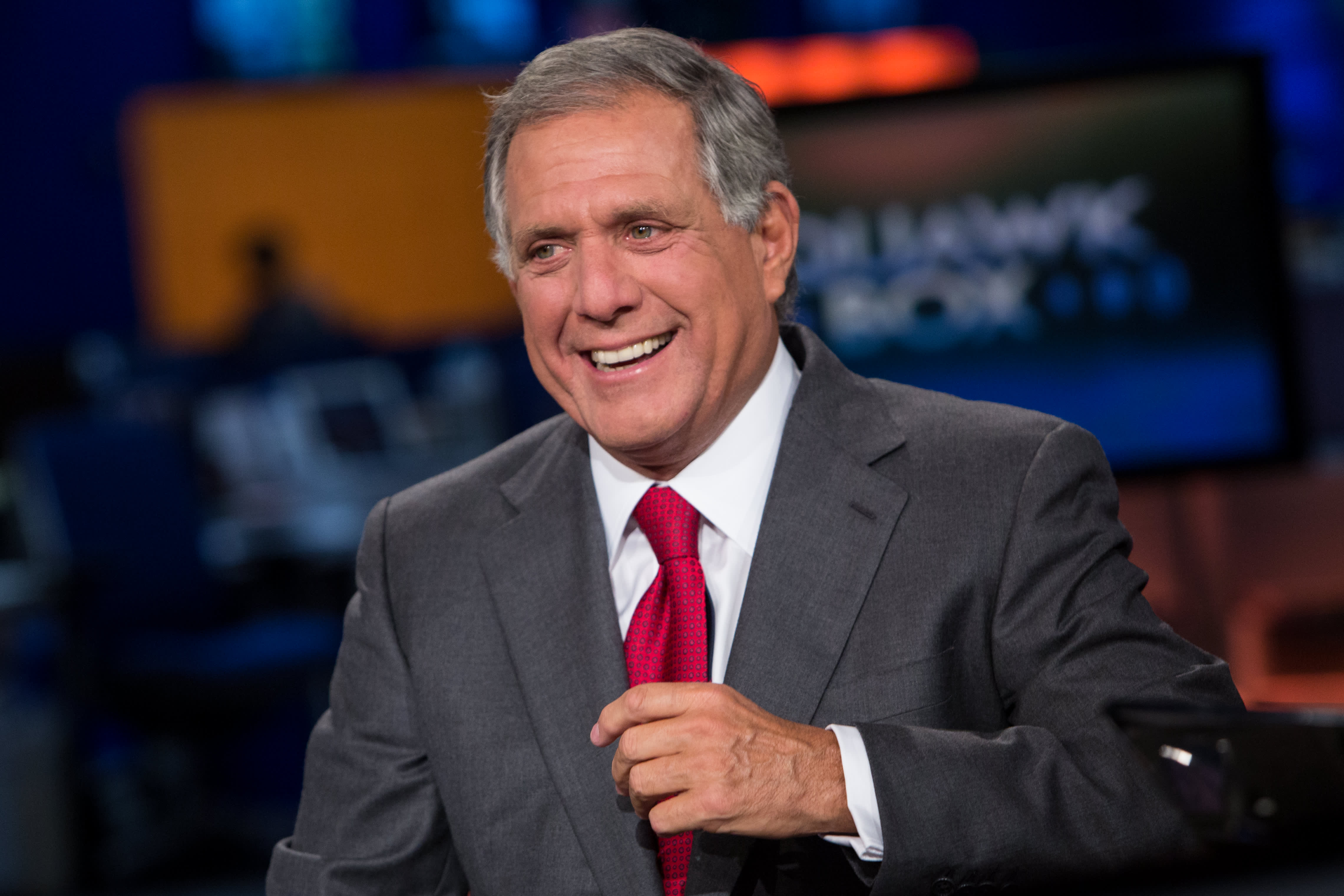 foto CBS stock price sinking on Les Moonves report about sexual misconduct
