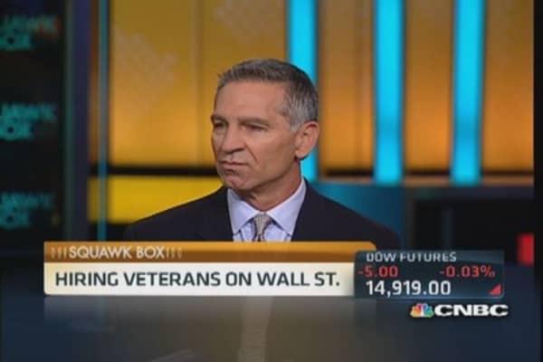 Hiring veterans on Wall Street