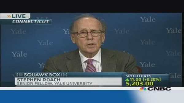 Roach: Global economy could be facing another crisis