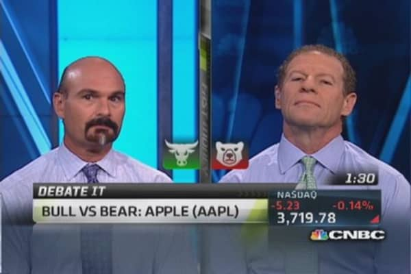 Debate It: Bull vs. bear on Apple