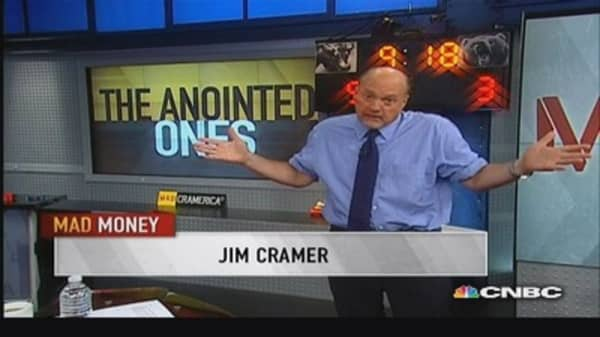Cramer's stock picks: ETFC, SCHW & more