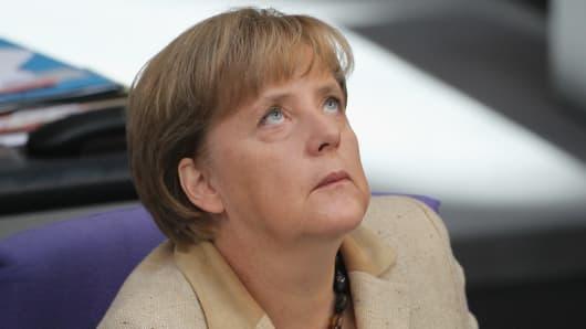 127710406SG007_Bundestag_Vo