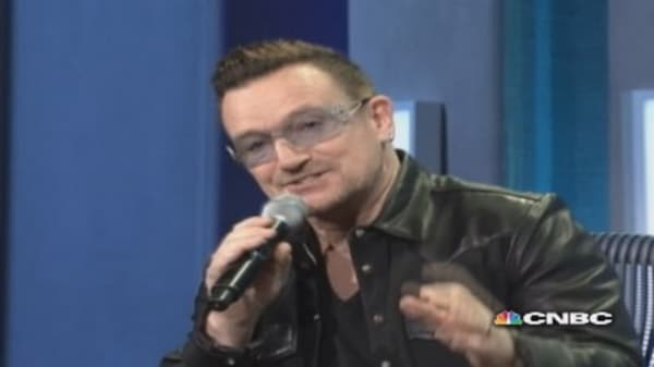 Bono does dead-on Bill Clinton impersonation