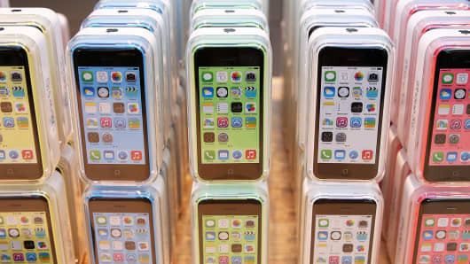 iphone 5c walmart no contract here s how much it costs apple to build new iphones 17443