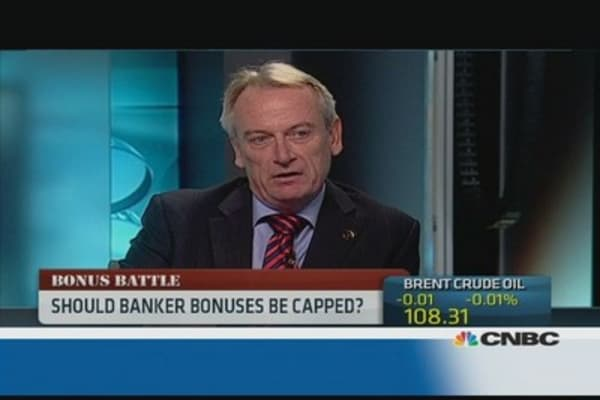 Should banker bonuses be capped?