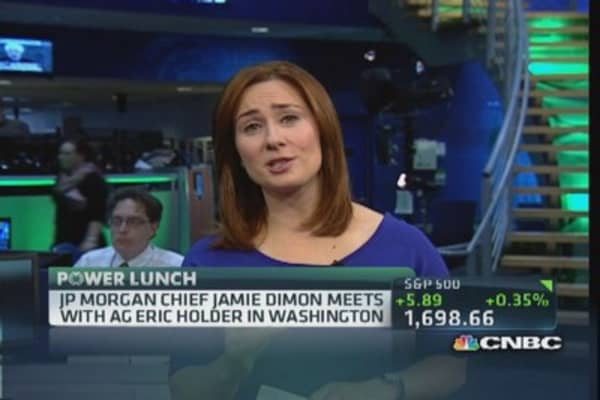 JPMorgan's Dimon meets with AG Holder