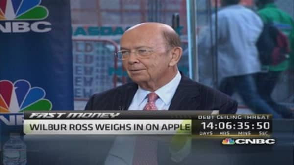 Apple's cash 'a little bit silly': Wilbur Ross