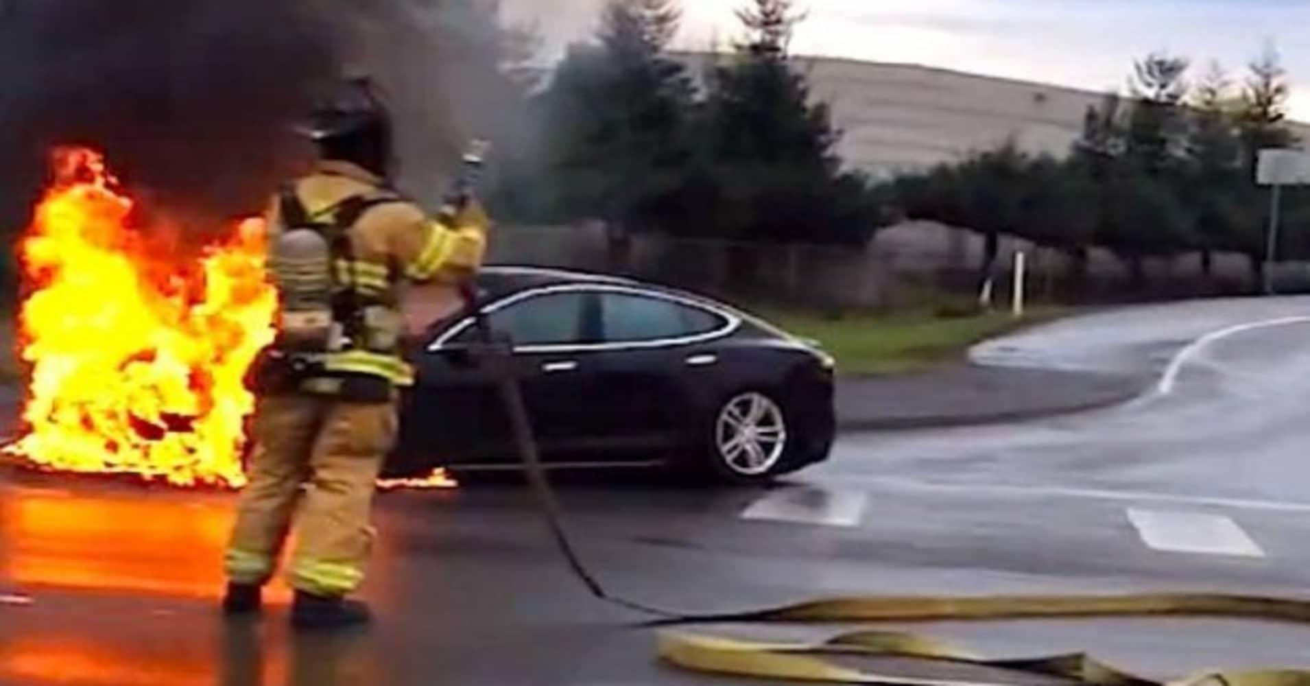 Enterprise Auto Finance >> Owner of flaming Tesla says he's 'still a big fan'