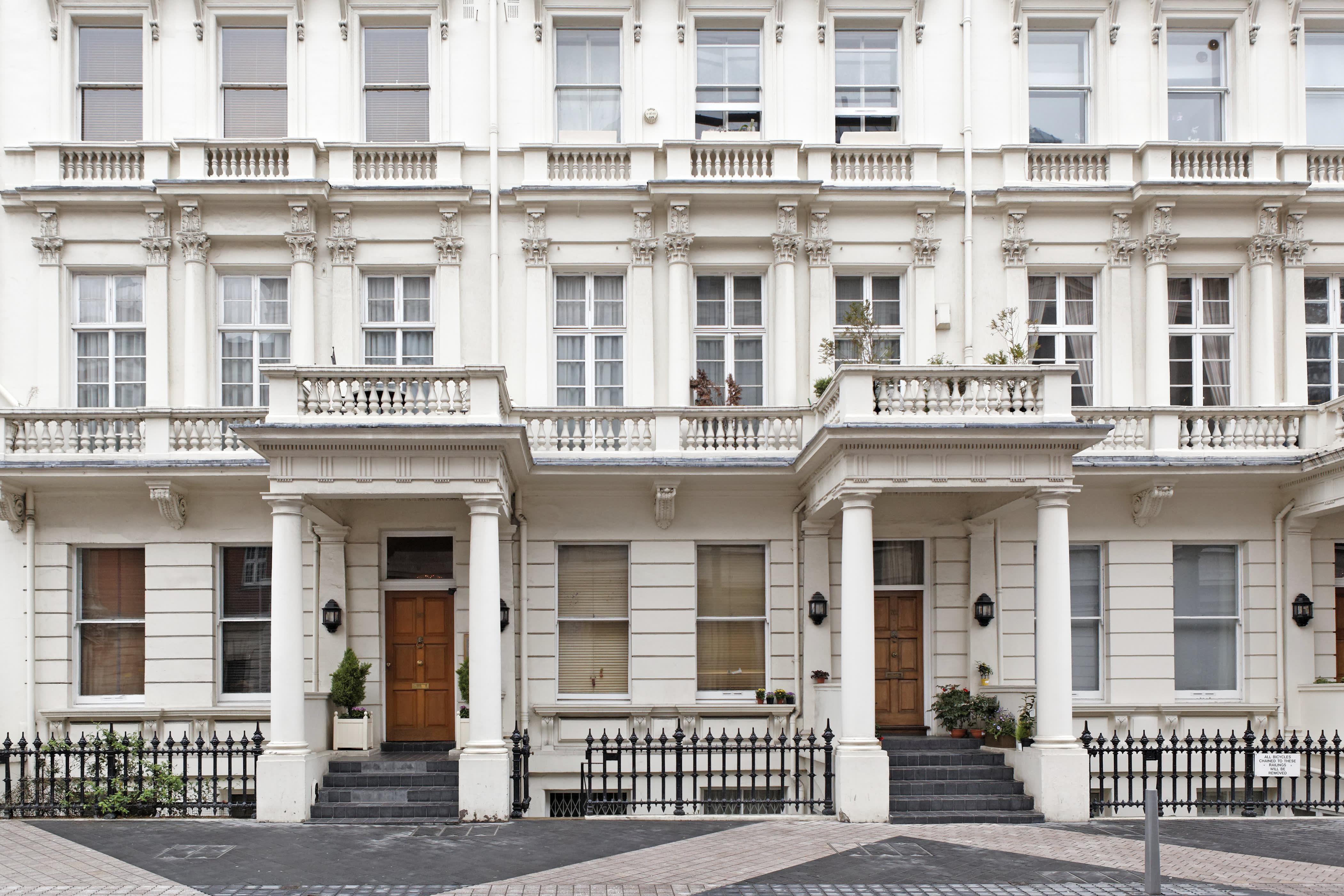 Weaker pound may spur uk luxury real estate after referendum buycottarizona Images