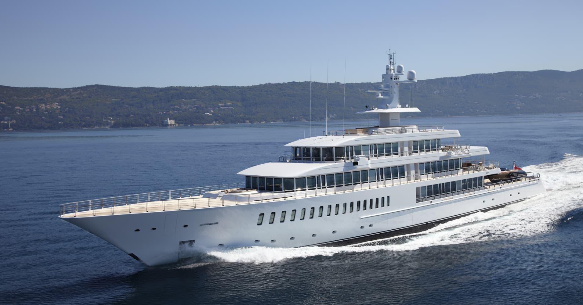 Inside The Yachtmaker That Built Steve Jobs Megaboat