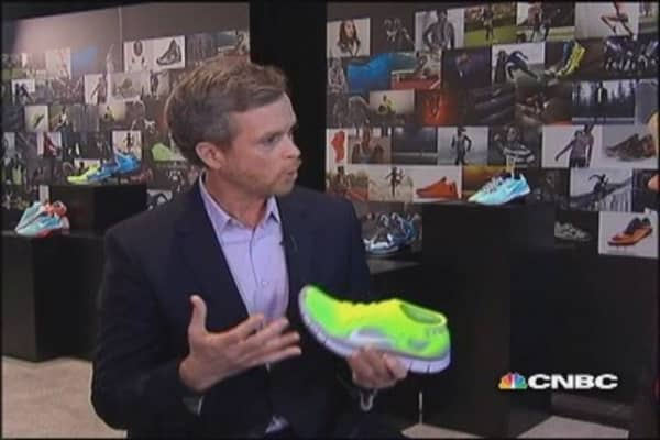 Nike CEO: Athletes loves the Flyknit shoe