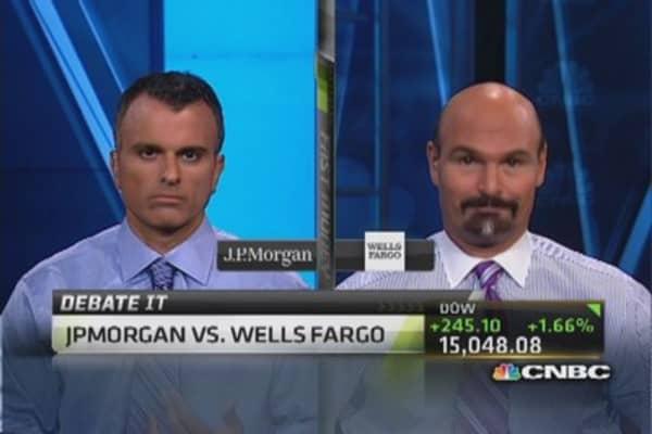 Debate it: Bull vs. bear on JPM & Wells Fargo