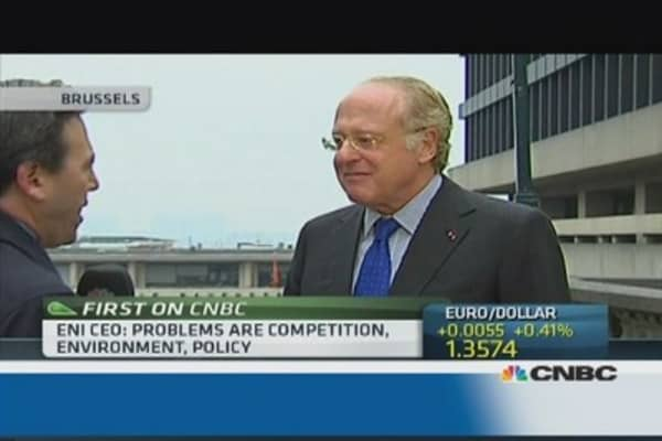 Eni CEO sets conditions for Alitalia fuel supplies