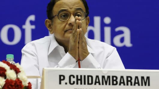 Finance Minister P Chidambaram is expected to meet with JP Morgan and other big fund managers.