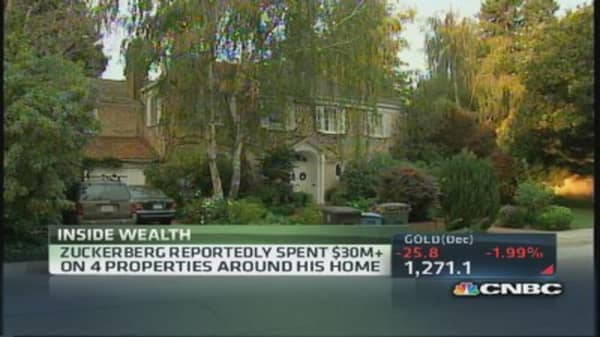 Zuckerberg buys 4 neighbor's homes