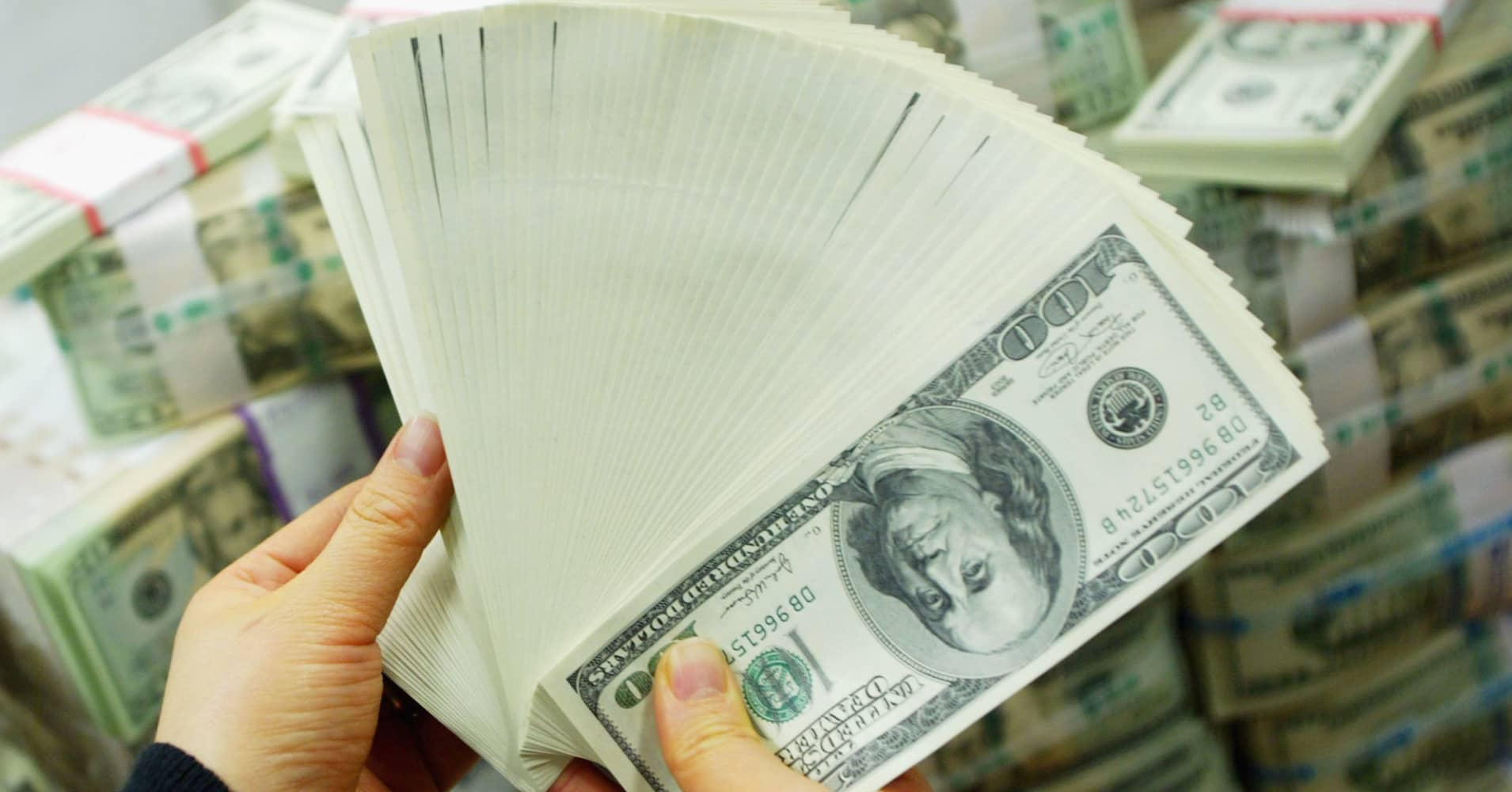 Why this analyst thinks the US dollar will actually strengthen going forward