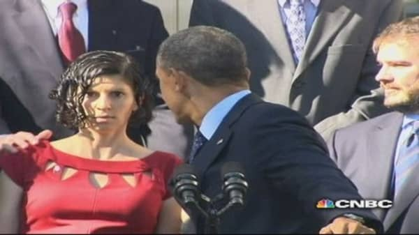 Woman nearly faints at Obamacare press conference