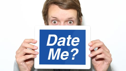 Online dating when to meet in person