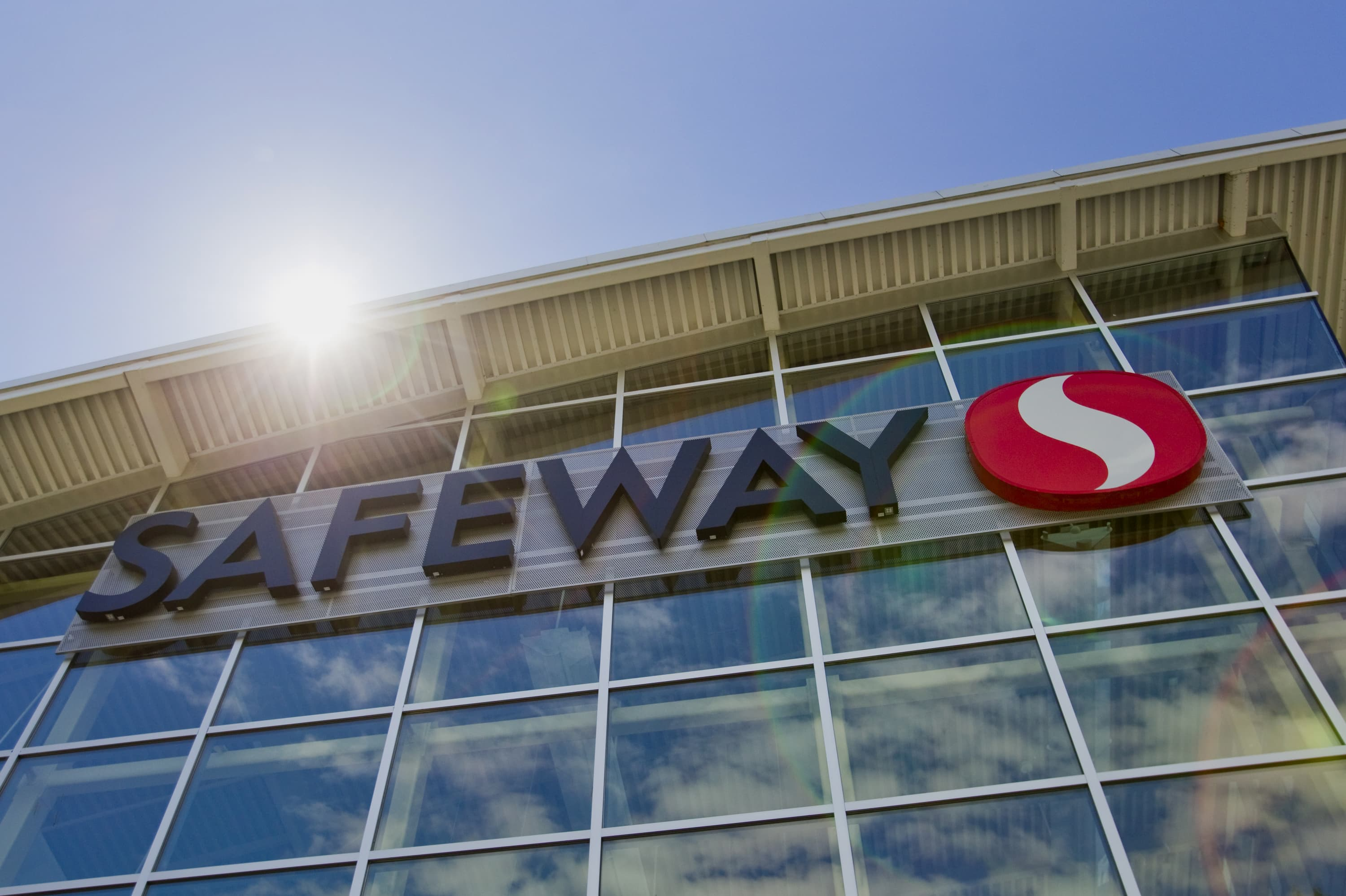 Cerberus Others Explore Deal For Safeway Sources
