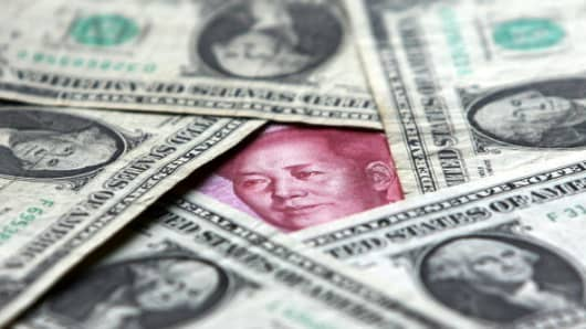 Dollars and yuan notes