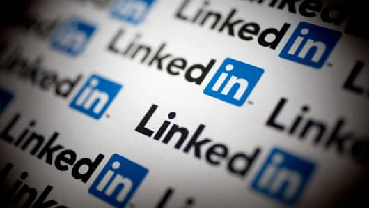 To reach china linkedin plays by local rules malvernweather Choice Image