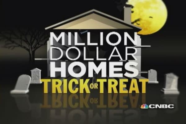 Trick or treat: Spooky $1 million homes