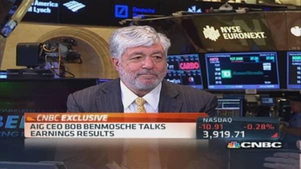AIG's Benmosche:  Economy strong but lacks confidence