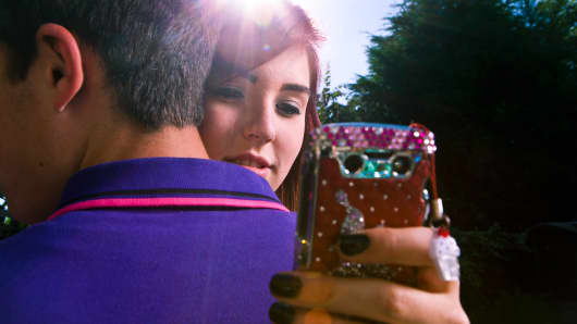 Teens are more depressed and isolated than ever because of smartphones, researcher claims