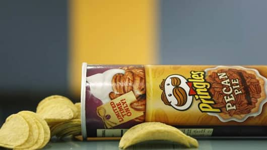 Pringles' new pecan pie-flavored chips.