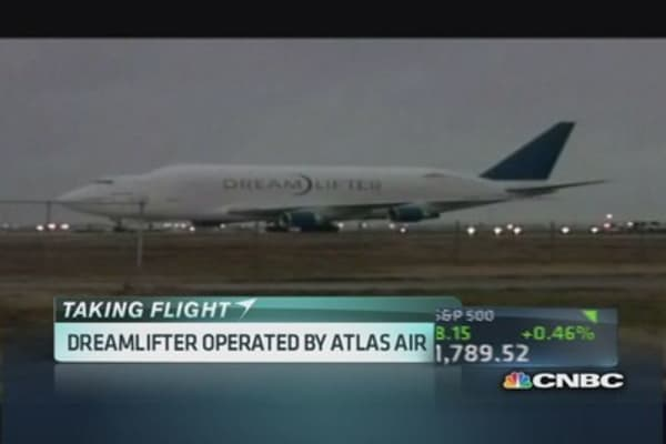 Boeing Dreamlifter lands at wrong airport