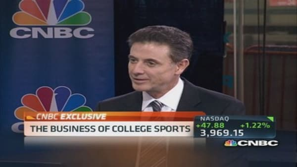 Pitino talks college hoops biz