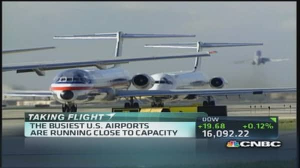 Packed planes during holiday travel: Any relief?