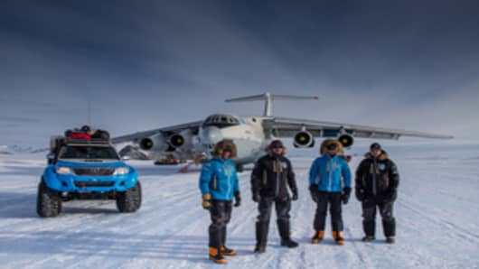 The Willis Resilience Expedition team lands in Antarctica