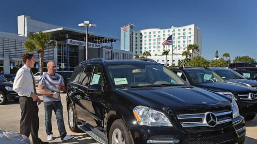 Auto rates drop buyers take on record loans for Mercedes benz car loan rates