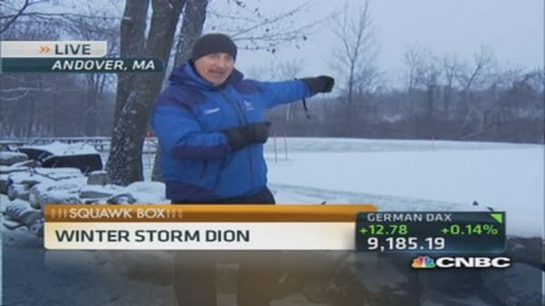 Winter storm causes massive flight delays